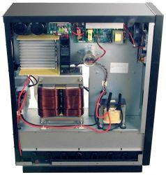 Изолирующий трансформатор, аккумуляторные батареи снизу влотке